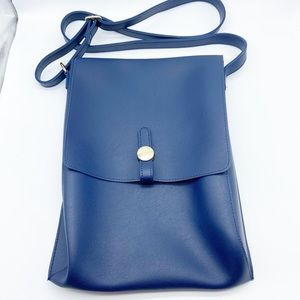 Messager Crossbody Soft Bag in Blue